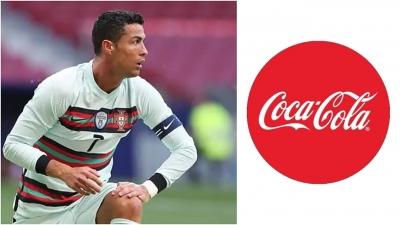 Απίστευτη πτώση της Coca-Cola μετά την κίνηση του Κριστιάνο Ρονάλντο να την αντικαταστήσει με νερό!