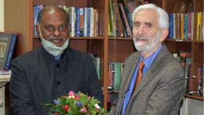 Έλληνας καθηγητής βραβεύτηκε για το έργο του με μία από τις υψηλότερες διακρίσεις της Ινδίας