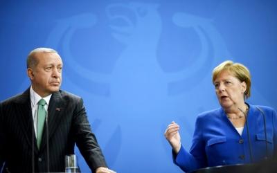 Handelsbatt: Μυστικές συζητήσεις Γερμανίας και Τουρκίας για το προσφυγικό – Δυσφορία της Ελλάδας