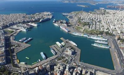 Παράνομη η απεργία του Εργατικού Κέντρου στο λιμάνι Πειραιά