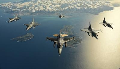 Δεκάδες παραβιάσεις και δύο εμπλοκές με τουρκικά μαχητικά πάνω στο Αιγαίο