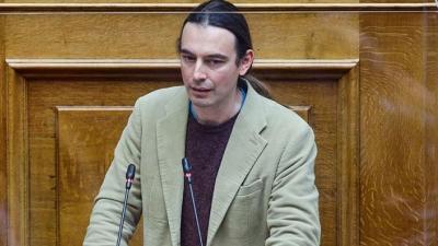 Κρίτων Αρσένης: Πρέπει να μπει κόφτης στον πλούτο, να απαγορεύεται να έχει κάποιος πάνω από 100.000 ευρώ