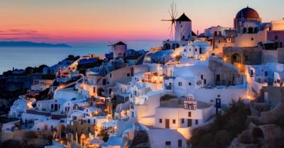 Επί ποδός για το άνοιγμα βρίσκονται τα ελληνικά νησιά για τους τουρίστες