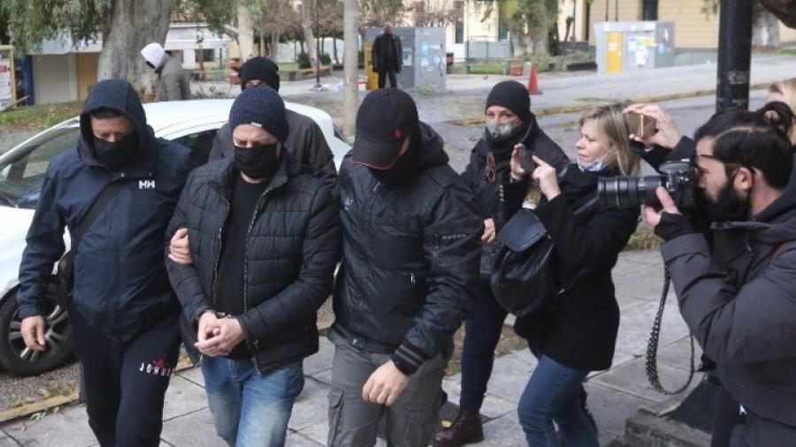 Στη ΓΑΔΑ παραμένει ο Λιγνάδης - Στο μικροσκόπιο και δεύτερος ηθοποιός - Παρέμβαση εισαγγελέα για την εμπλοκή ΜΚΟ