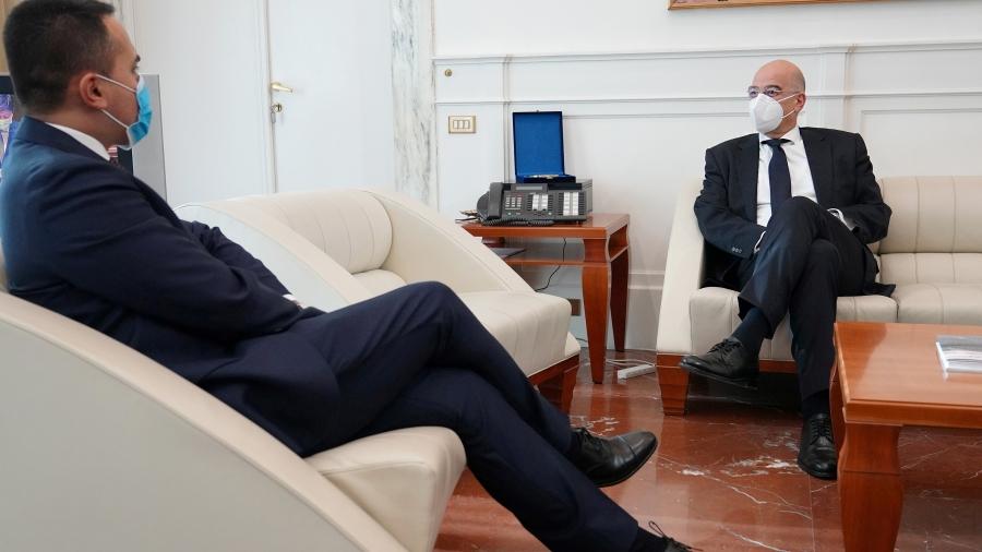 Δένδιας σε Di Maio: Θα επιθυμούσαμε ισχυρότερη στήριξη από την Ιταλία στο θέμα των κυρώσεων στην Τουρκία