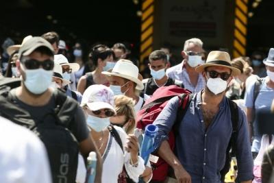 Χρήση μάσκας μέχρι το Φθινόπωρο και ανοσία το καλοκαίρι «βλέπουν» 4 καθηγητές