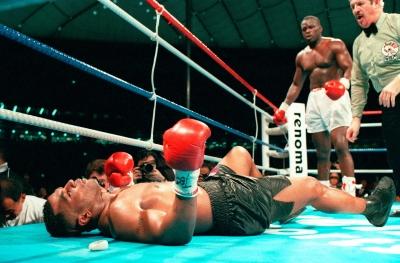 Τζέιμς Ντάγκλας vs Μάικ Τάισον: Η μεγαλύτερη νίκη που σημείωσε ποτέ αουτσάιντερ στην ιστορία του αθλητισμού