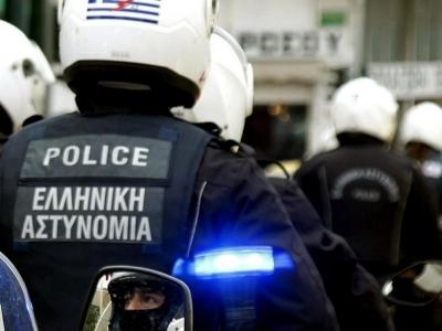 Ληστεία με βαρύ οπλισμό στη τράπεζα Πειραιώς στο κέντρο της Αθήνας