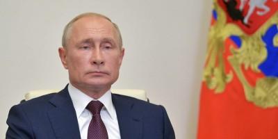 Στην «αντεπίθεση» ο Putin: Όλα τα ρωσικά εμβόλια είναι αποτελεσματικά κατά του κορωνοϊού