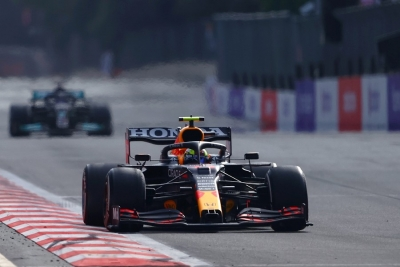 Formula 1: Θρίλερ στο Μπακού - Νίκη για Πέρεζ και Red Bull!
