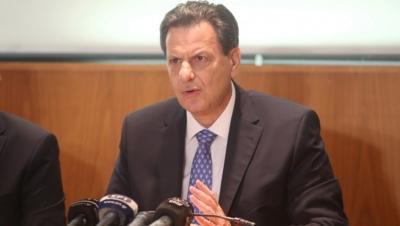 Νομοθετική διάταξη για τις επιταγές προανήγγειλε ο Σκυλακάκης