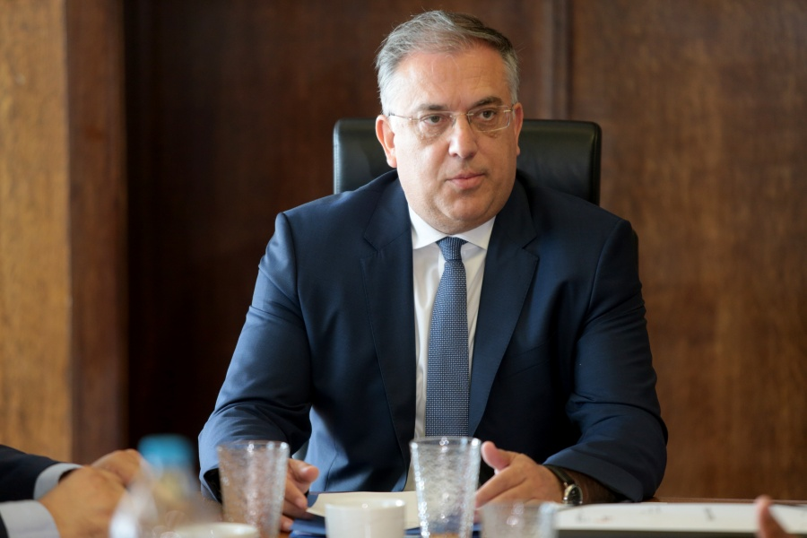 Γεωτρήσεις στην κυπριακή ΑΟΖ: Έμπρακτη στήριξη από τη Γαλλία, με την υπ. Άμυνας να μεταβαίνει επί τόπου - Πιέσεις από Τουρκία