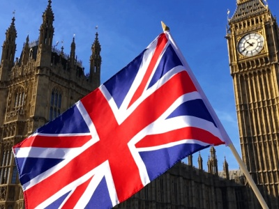 Βρετανία: «Πράσινο φως» στο σχέδιο για την οικονομική διάσωση στρατηγικών εταιριών, εν μέσω της πανδημίας