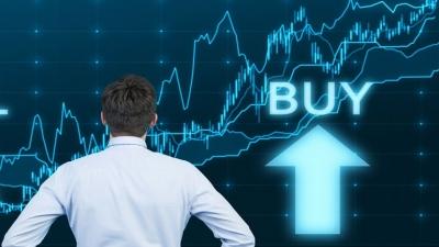 """Λίγο μετά το κλείσιμο του ΧΑ – """"Πάτησε"""" πάνω στις 900 μονάδες με βελτιωμένες συναλλαγές"""