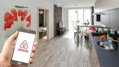 Εκτοξεύτηκαν οι κρατήσεις της Airbnb: Αύξηση 52% λόγω εμβολιασμών και άρσης περιορισμών