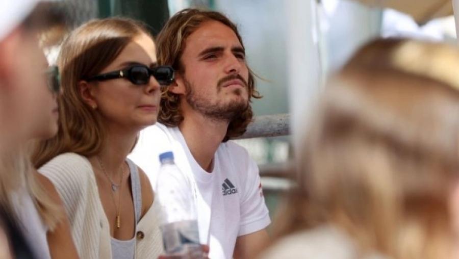 Στέφανος Τσιτσιπάς: Παρακολουθεί με την κοπέλα του τους αγώνες της Ελλάδας στο Davis Cup