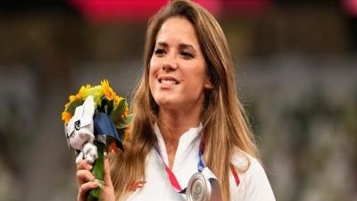Μαρία Άντρεζικ: Έβγαλε στο «σφυρί» το μετάλλιό της και διέθεσε 125.000 δολάρια για να χειρουργηθεί ένα βρέφος