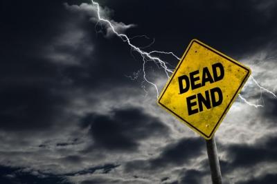Mises Institute: Το φθηνό χρήμα συντηρεί τα τραπεζικά zombie στην Ευρώπη