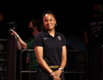 Dawn Staley: Το «χρυσό» κορίτσι του αμερικανικού μπάσκετ από τρία διαφορετικά πόστα!