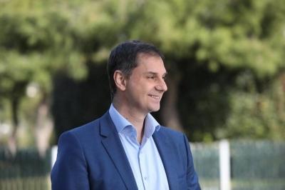 Θεοχάρης στον Guardian: Υποδοχή Βρετανών τουριστών στην Ελλάδα από τον Απρίλιο