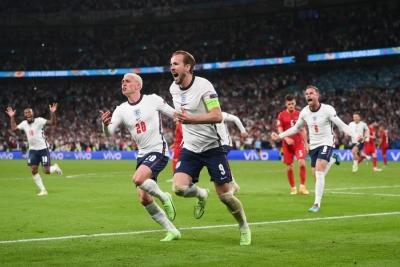 Αγγλία – Δανία 2-1: «Χτύπησε» με τη δεύτερη ο Κέιν! (video)