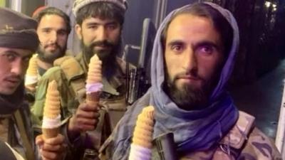 Taliban: Η φωτογραφία με τα παγωτά που κάνει τον γύρο των social media και η σύνδεσή του ως τρολάρισμα στον Biden