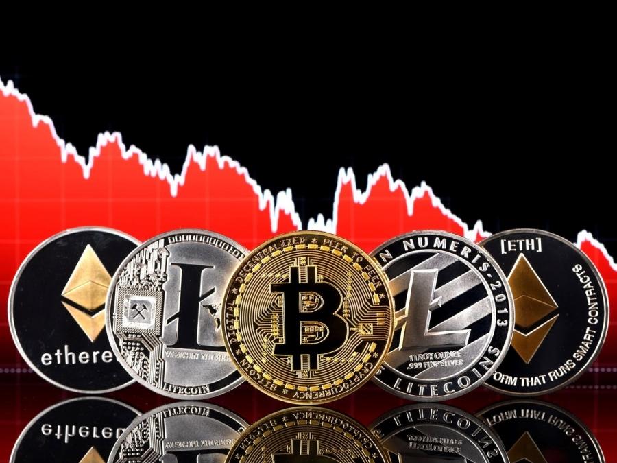 Χάθηκαν 1,3 τρισ. δολάρια από τα κρυπτονομίσματα από τα υψηλά του Μαΐου - Ποιοι θέλουν το bitcoin χαμηλά...