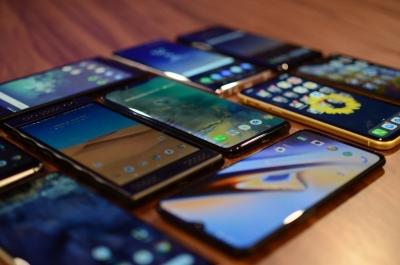 Πλέον και τα smartphones στο έλεος της παγκόσμιας έλλειψης chips – Τι θα σημάνει αυτό για τους καταναλωτές