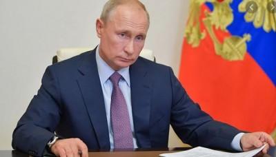 Σαρωτικές αλλαγές στο πολιτικό σύστημα της Ρωσίας - Τι νόμους υπέγραψε ο Putin