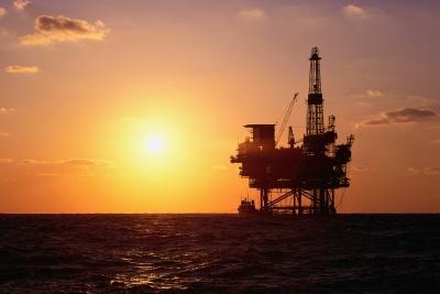 ΗΠΑ: Η μεγαλύτερη μείωση από τον Απρίλιο 2019 στις πλατφόρμες εξόρυξης πετρελαίου, στις 754