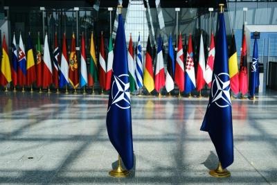 Γιατί η πρόσδεση της Ελλάδας στο άρμα της Γαλλίας μπορεί να σημάνει αποχώρηση από το στρατιωτικό σκέλος του ΝΑΤΟ