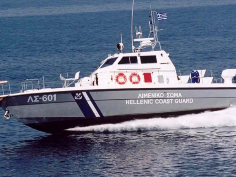 Αχαΐα – πυρκαγιά: 110 πολίτες απεγκλώβισαν από τις φλόγες πλωτά σκάφη του Λιμενικού