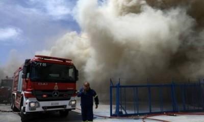 Πυρκαγιά σε αποθήκη στον Ασπρόπυργο - Κυκλοφοριακές ρυθμίσεις