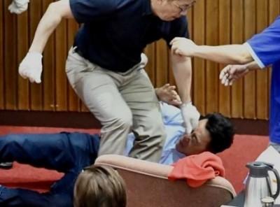 Σε ρινγκ μετετράπη ακόμη μία φορά το κοινοβούλιο της Ταϊβάν