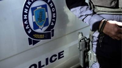 Γλυφάδα: Τους καταδίωκαν αστυνομικοί και πέταξαν σακούλα με... 25.000 ευρώ