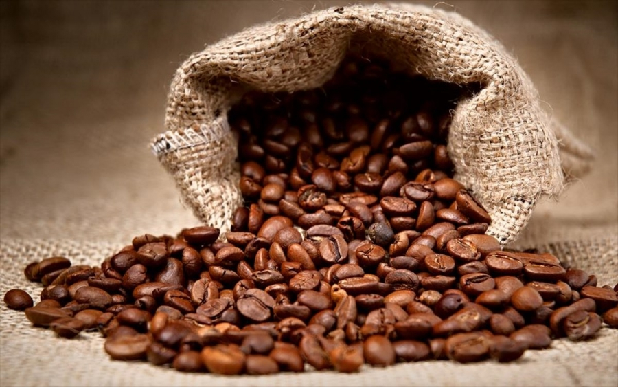 Οι καταστροφές στη Βραζιλία εκτινάσσουν την τιμή του καφέ κατά 84% - Οι επιπτώσεις στους καταναλωτές