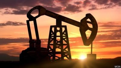 ΗΠΑ: Περαιτέρω μείωση στις πλατφόρμες εξόρυξης πετρελαίου, έφθασαν τις 237