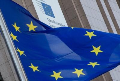 Bloomberg: Ο οδυνηρός συμβιβασμός με Ουγγαρία και Πολωνία και η υπαρξιακή κρίση της ΕΕ
