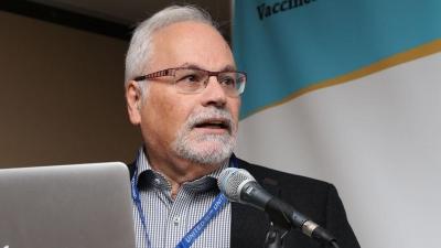 Παυλάκης: Τα εμβόλια δεν φτάνουν για το τέλος της πανδημίας – Χρειάζονται και μέτρα