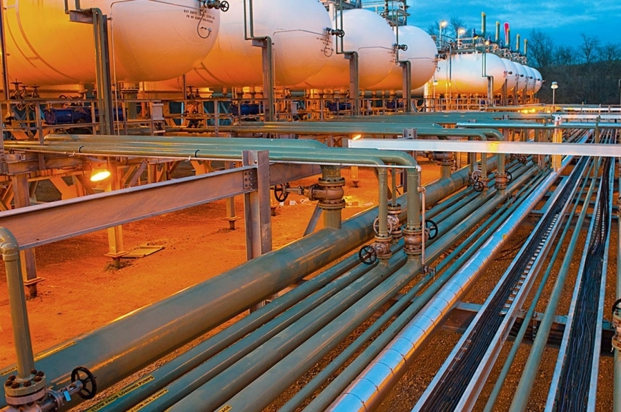 EE: Εκτός των πράσινων ομολόγων τα έργα φυσικού αερίου - Τι σημαίνει για τις ελληνικές επενδύσεις