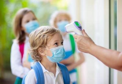ΗΠΑ: Σύγχυση και δυσφορία για τη νέα οδηγία χρήσης της μάσκας στις σχολικές αίθουσες