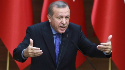 Erdogan: Θα εισβάλλουμε στη Συρία, εάν οι ΗΠΑ δεν απομακρύνουν τους Κούρδους