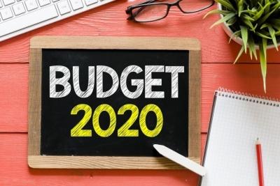 Κατατέθηκε ο προϋπολογισμός 2020 - Ανάπτυξη 2% το 2019 και 2,8% το 2020 - Πρωτογενές πλεόνασμα 3,73% το 2019 με δημοσιονομικό χώρο 436 εκατ.
