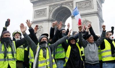 Γαλλία: Χιλιάδες διαδηλωτές στην 15η κινητοποίηση των κίτρινων γιλέκων