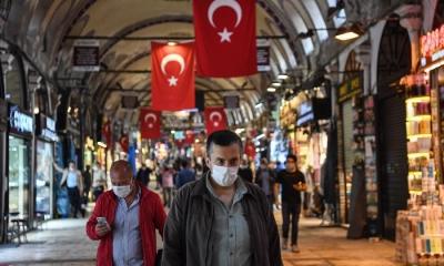 Τουρκία: Σχεδόν διπλάσιος αριθμός ημερήσιων κρουσμάτων συγκριτικά με το χαμηλό στις αρχές Ιουλίου