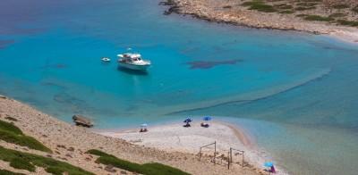 Focus: Τα 5 ελληνικά νησιά που προτείνει για διακοπές το καλοκαίρι 2020