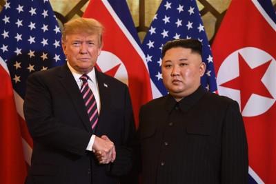 ΗΠΑ: Νέο βιβλίο αποκαλύπτει την αλληλογραφία του Trump με τον Kim Jong Un