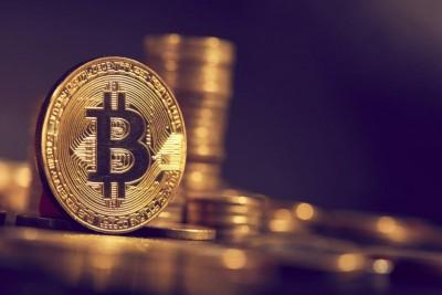 To Bitcoin έσπασε το φράγμα των 30.000 δολαρίων για πρώτη φορά και συνεχίζει το ράλι