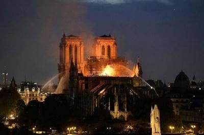 Παναγία των Παρισίων: Σε διεθνή αρχιτεκτονικό διαγωνισμό προχωρά η γαλλική κυβέρνηση
