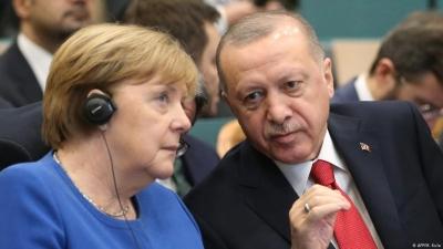 Münchner Merkur: Ανασφαλής ο Erdogan λόγω Biden, κάνει επίθεση αγάπης σε Merkel και ΕΕ